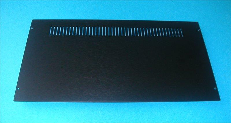 1NSLA03230B - 3U rack krabice s lištou, 230mm, 10mm - panel stříbrný, AL víka
