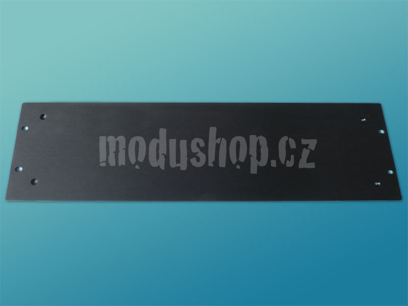 3PE03P07N - 4mm, 3U čelní panel, černý, pro krabice plechové